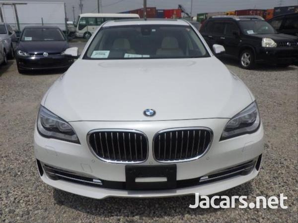 BMW 7-Series 0,4L 2014-3