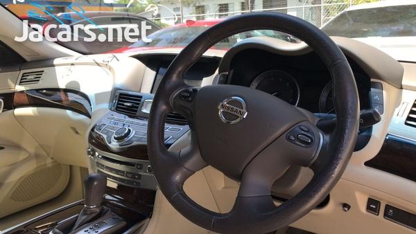 Nissan Fuga 2,5L 2012-6