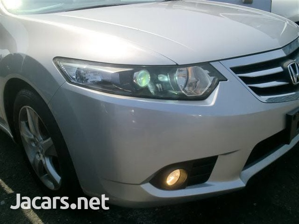 Honda Accord 1,6L 2011-4