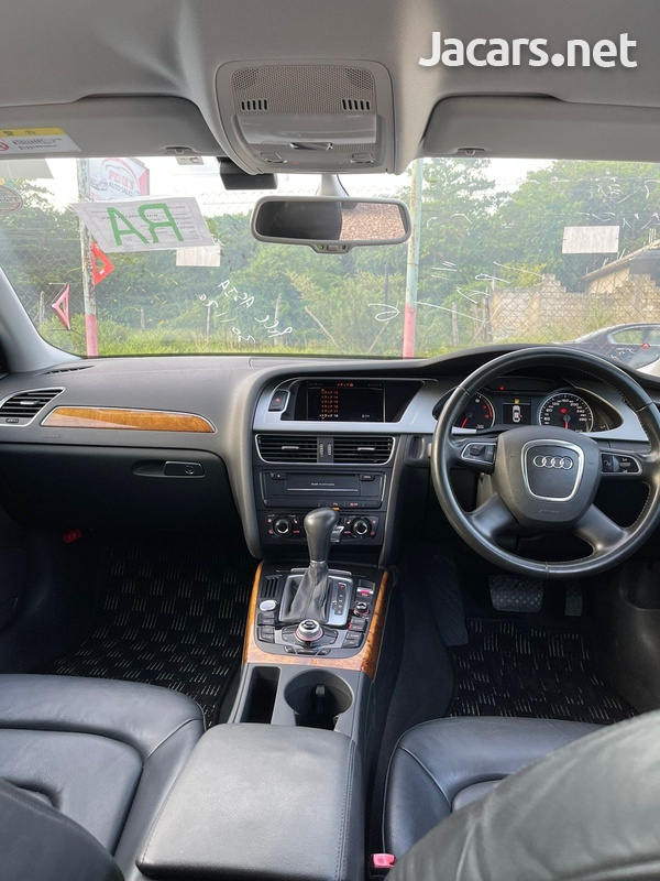 Audi A4 2,0L 2011-6