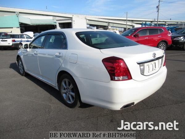 Toyota Crown 4,6L 2012-15