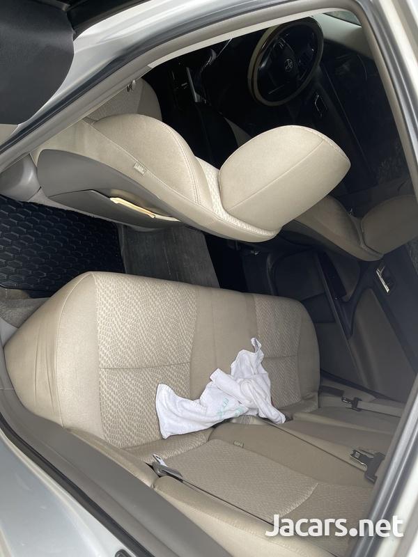 Toyota Mark X 2,1L 2012-4