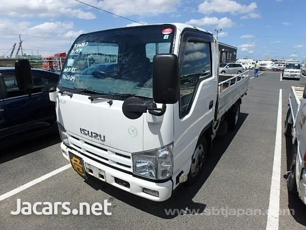 Isuzu Flat Body Truck 2013-1
