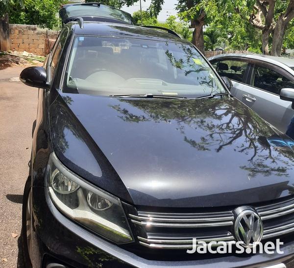 Volkswagen Tiguan 2,0L 2013-1