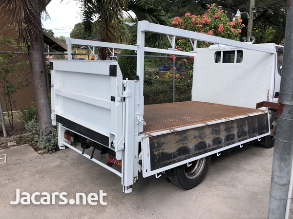 2010 Mitsubishi Fuso Canter Truck-5