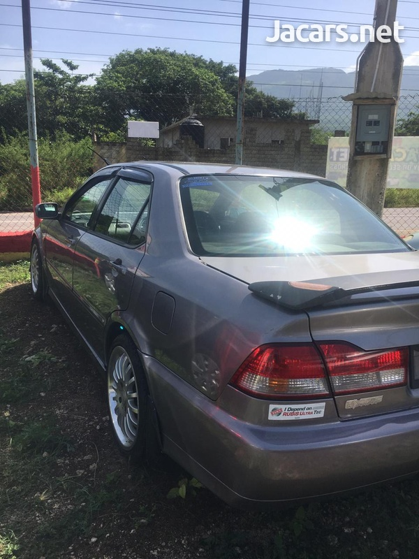 Honda Accord 1,8L 2001-3