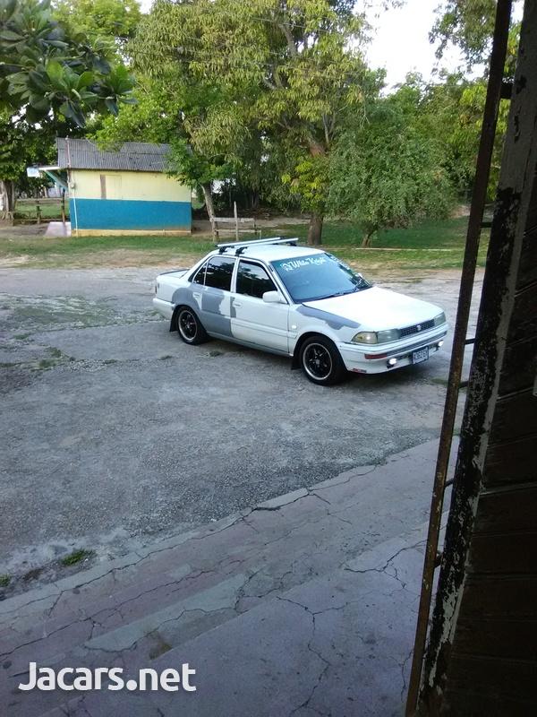 Toyota Corolla 3,9L 1990-6
