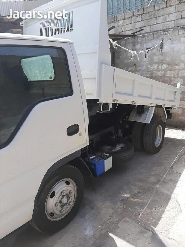 2006 Isuzu Truck-3