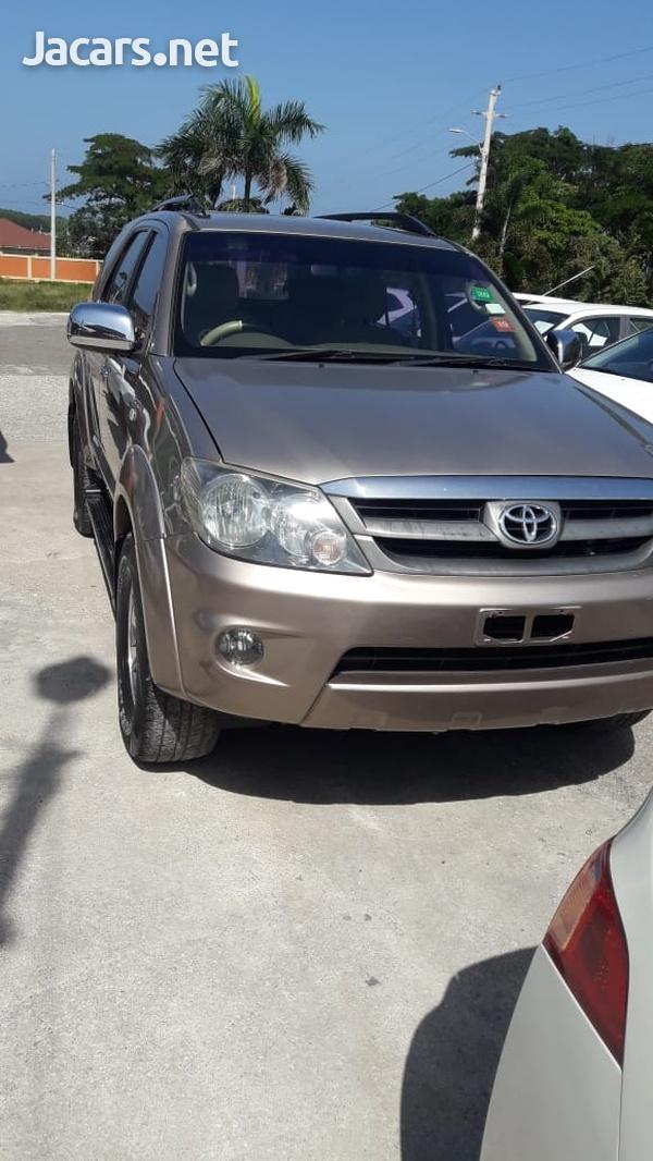 Toyota Fortuner 2,7L 2008-1