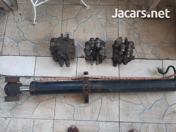 hydraulic jack-1