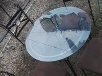 4 seater Glass Table