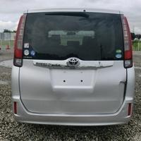 Toyota Noah 1,9L 2015