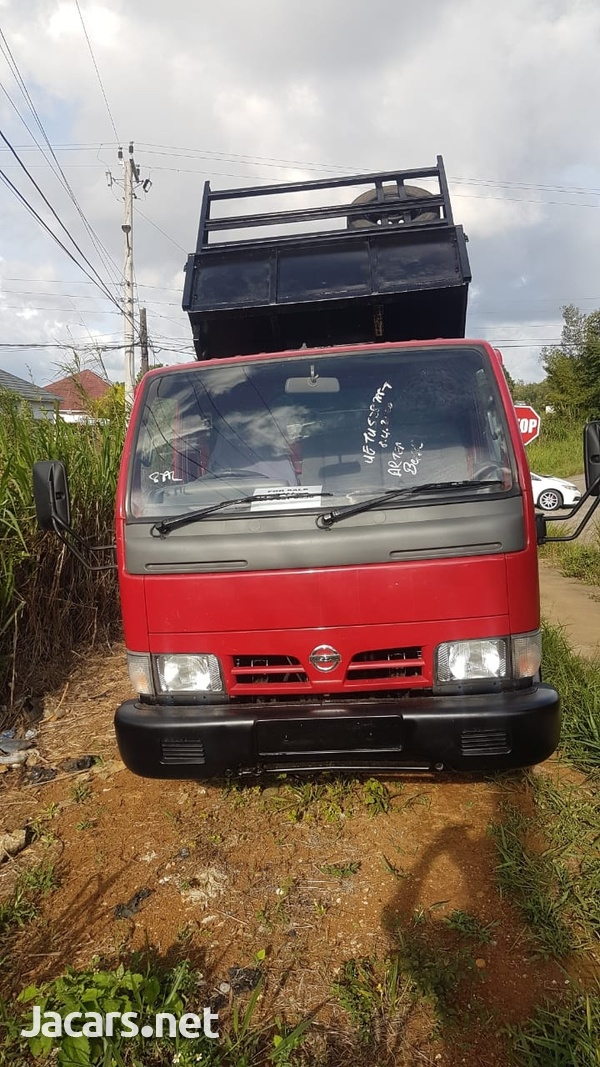 Nissan Cabstar tipper 2004 newly imported-7