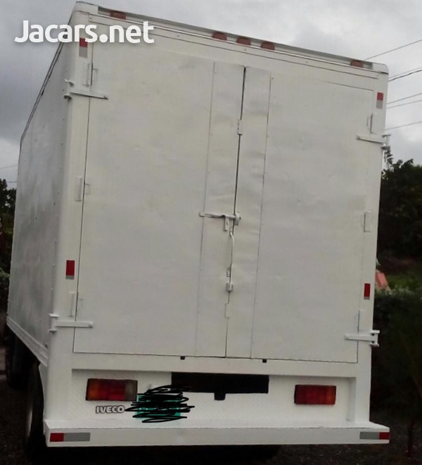 2005 Iveco Box Truck-3