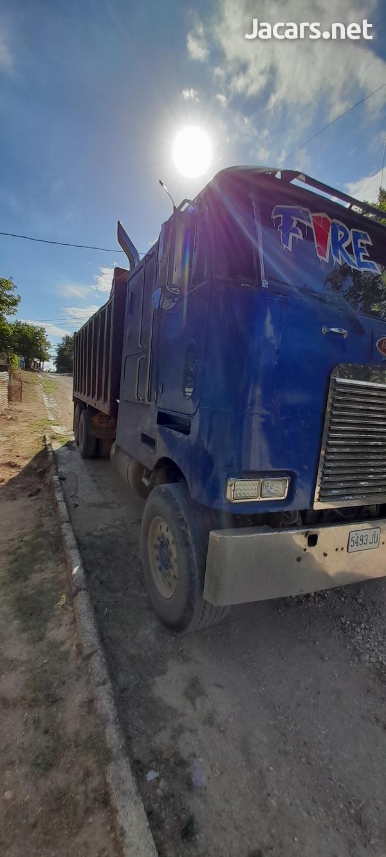 1999 Peterbilt Truck-2