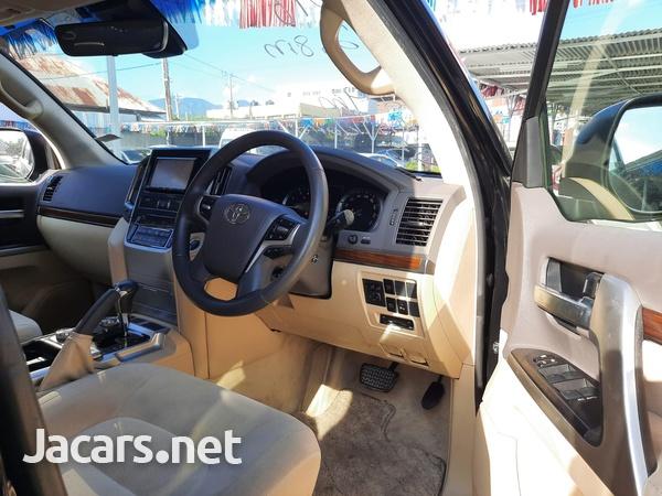 Toyota Land Cruiser 2,5L 2016-10