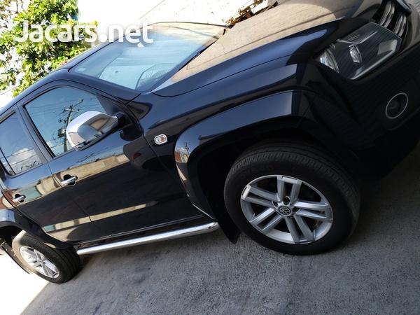 VW AMAROK diesel engine low mileage-11