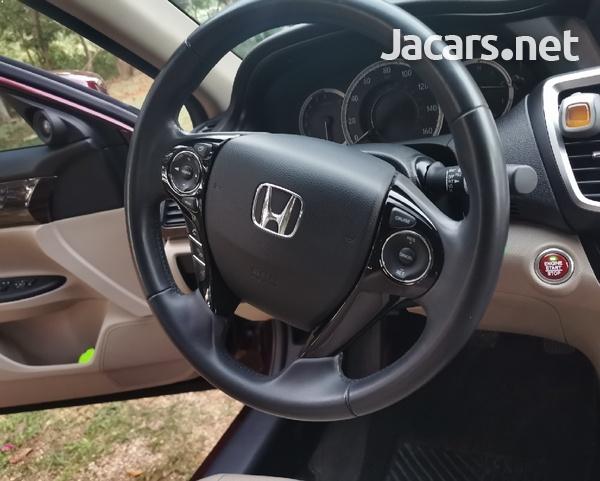 Honda Accord 2,4L 2016-8
