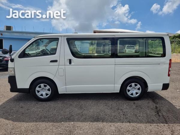 Toyota Hiace 2,0L 2013-8