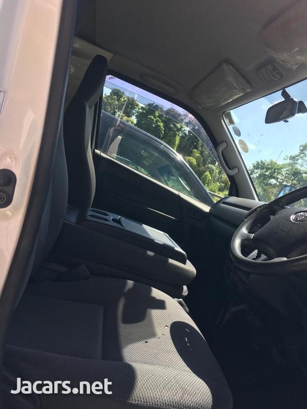 Toyota Regus ACE 2013-5