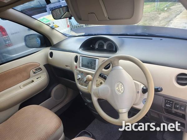 Toyota Sienta 1,6L 2012-2