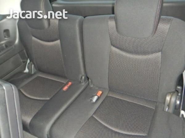 Nissan Serena 2,0L 2013-4