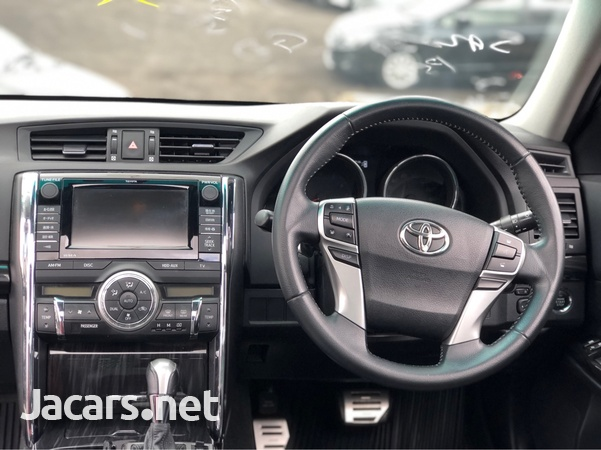 Toyota Mark X 2,5L 2011-4