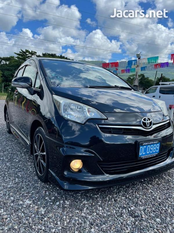 Toyota Ractis 1,5L 2012-3