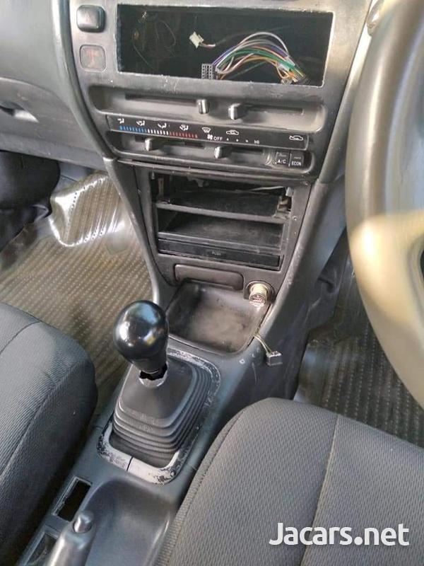 Toyota Corolla 1,5L 2000-3