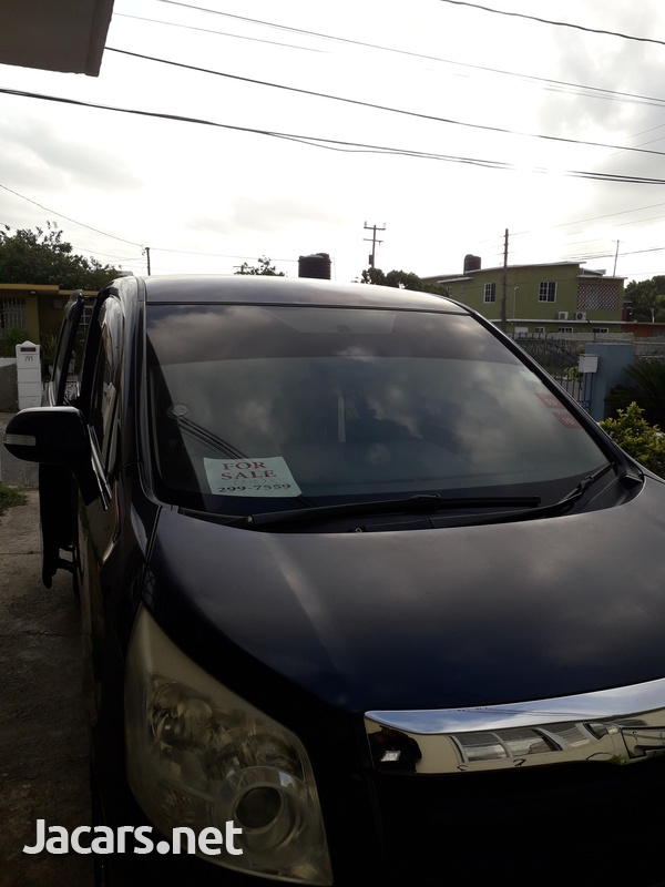 Toyota Voxy 1,9L 2007-4