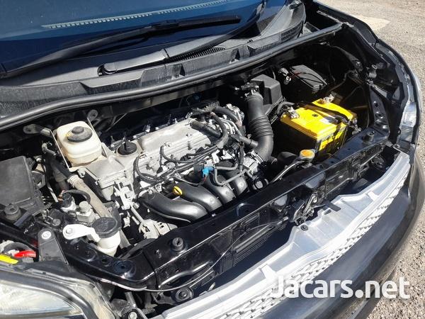 Toyota Voxy 1,9L 2013-8