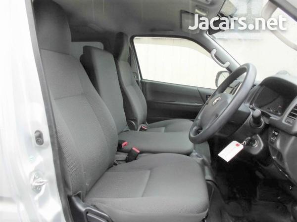 Toyota Hiace Van 2,0L 2016-7