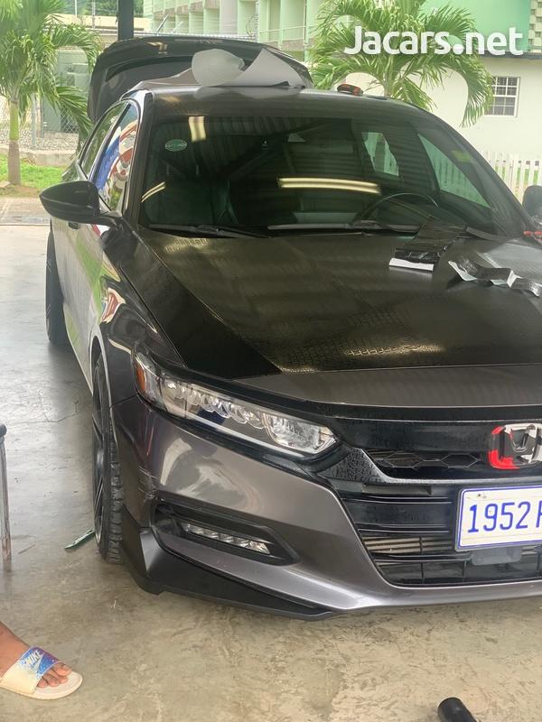 Honda Accord 2,0L 2018-9