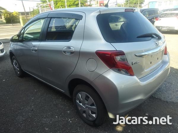 Toyota Vitz 1,3L 2015-11