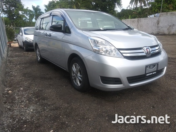 Toyota Isis 2,0L 2015-14