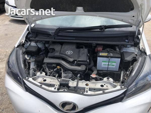 Toyota Vitz 1,0L 2016-14