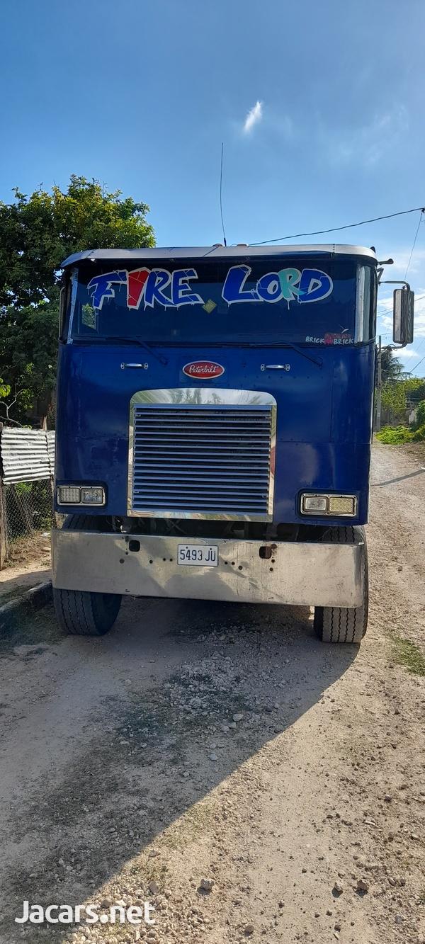 1999 Peterbilt Truck-1
