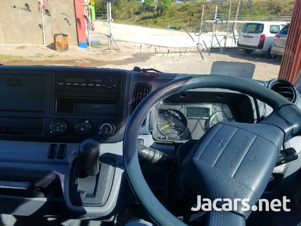2014 Mitsubishi Canter truck-5