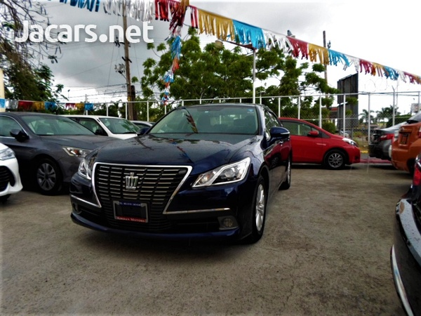 Toyota Crown 2,5L 2015-1