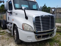 2009 freightliner trailer head