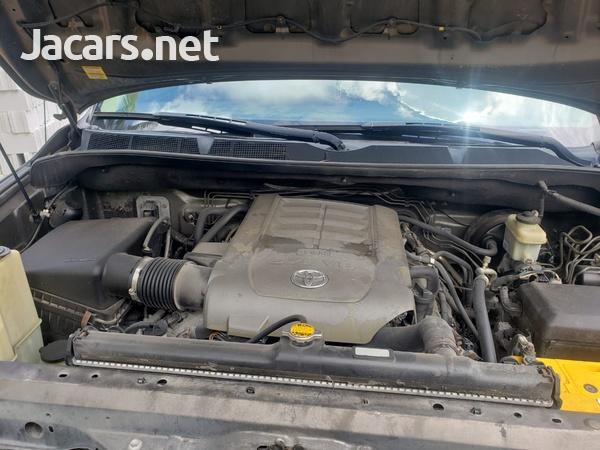 Toyota Tundra 5,7L 2010-6