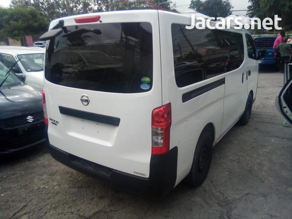 Nissan Caravan 2,5L 2013-7