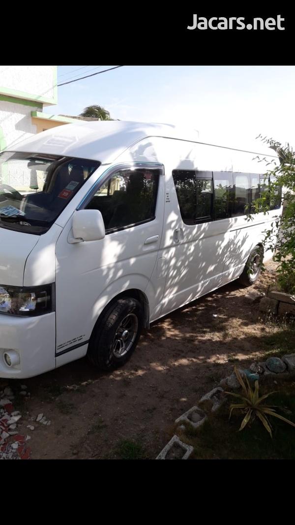 2010 Toyota Hiace Bus-3