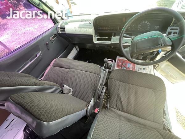 Toyota Hiace 1998-6