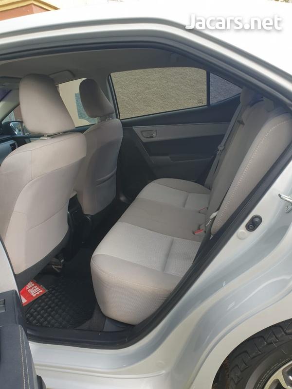 Toyota Corolla 1,8L 2015-6