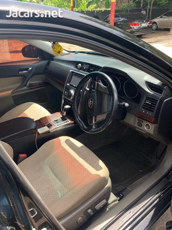 Toyota Mark X 2,5L 2010-5