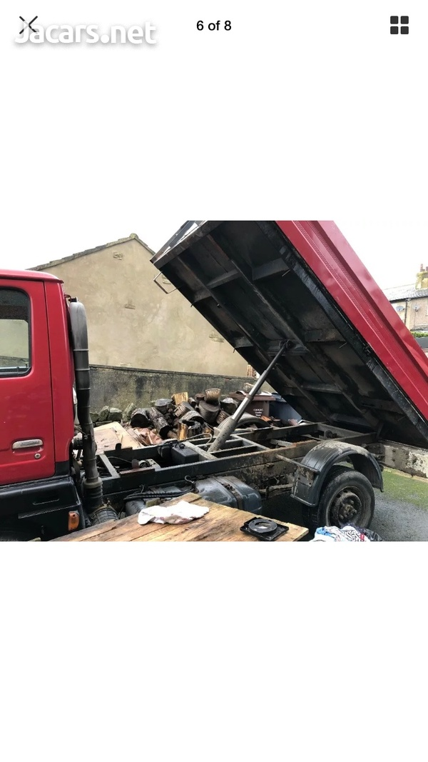 Nissan Cabstar tipper 2004 newly imported-6