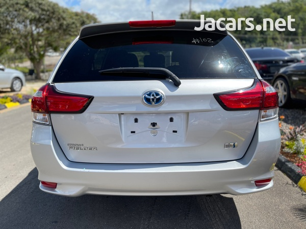 Toyota Fielder 1,3L 2015-5