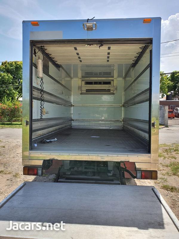 Isuzu Box Body Truck 4,7L 2007-2
