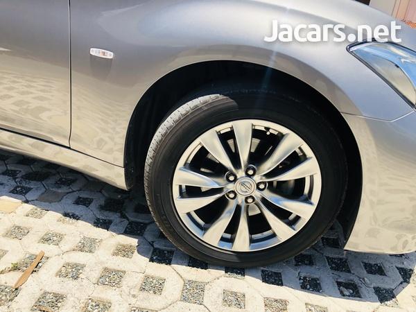 Nissan Fuga 3,7L 2014-3